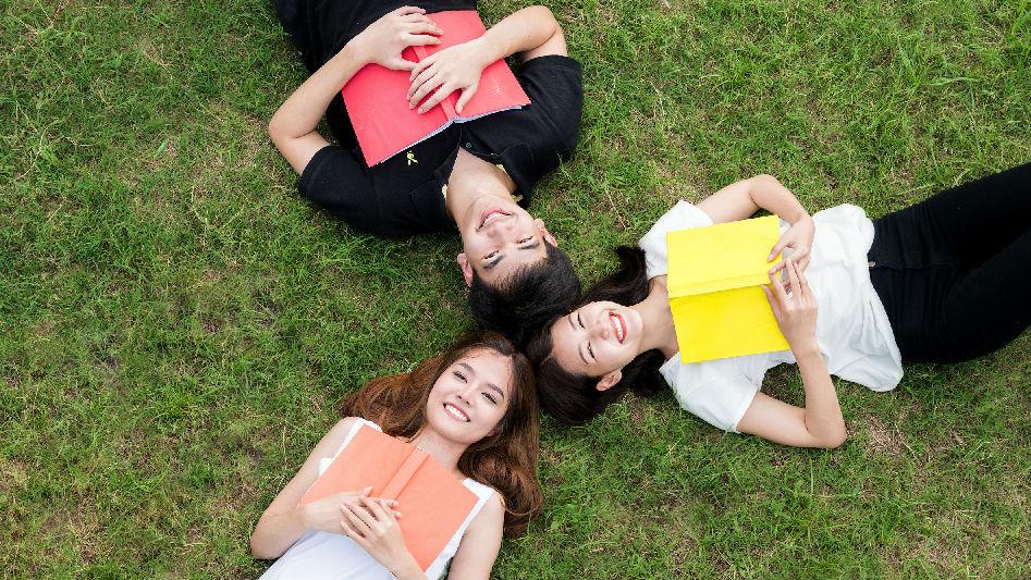 外媒称越来越多中国学生赴泰国留学 理由很现实——