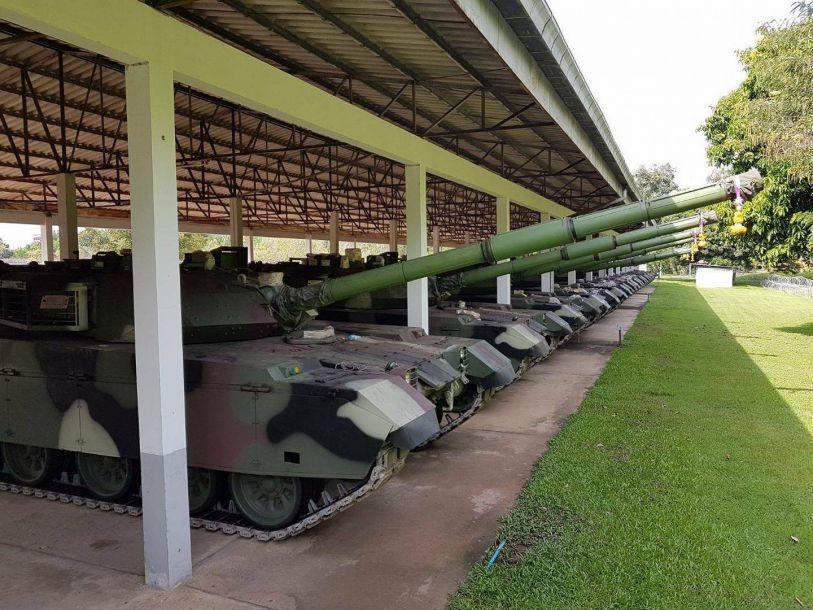 2019-01-23,泰国与中国签订了购买首批28辆VT-4主战坦克的协议。泰国陆军成为全球首个VT-4坦克的用户。2017年4月,泰国政府宣布另外采购10辆VT-4坦克。目前泰国陆军已经拥有38辆VT-4坦克。