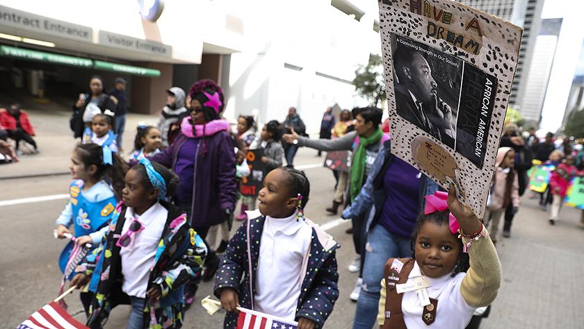 休斯敦举行马丁·路德·金纪念日游行