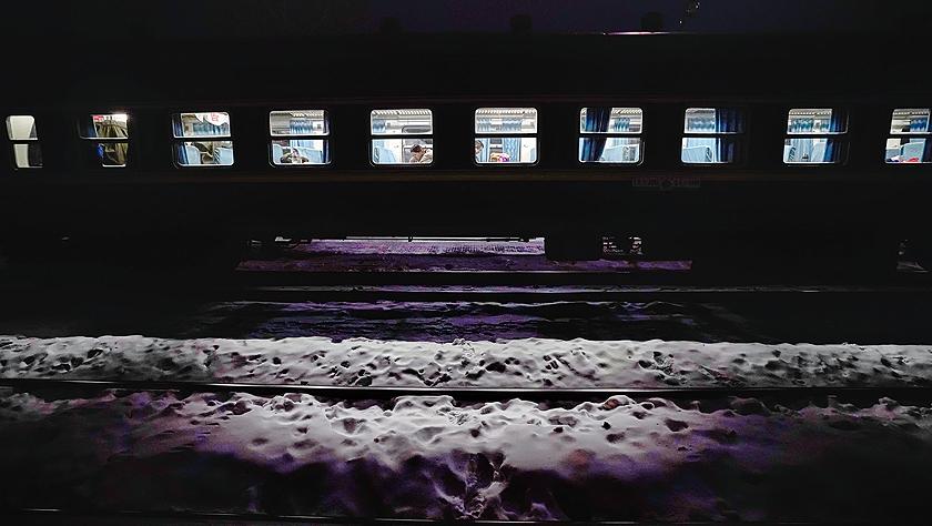 """雪国列车——东北""""绿皮车""""的温暖旅途"""