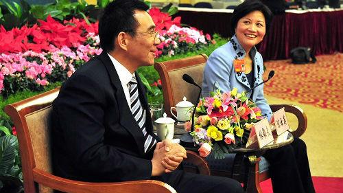 """林毅夫夫人被炒作""""秘密""""访台 有台媒看不下去了——"""