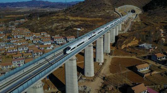 """英媒:中国是全球经济的""""第二个太阳"""""""