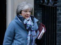 特雷莎·梅前往议会进行首相问答