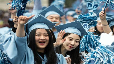 港媒:中国留学生日益远离美国 美反华偏见和就业机会匮乏是主因