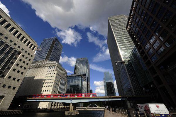 稳守最大离岸交易中心地位!伦敦如何赢得人民币争夺战