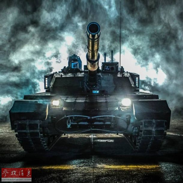 泰国军方近日公开一组从中国进口的VT-4主战坦克最新宣传照,经过艺术化处理后的VT-4坦克显得霸气十足。图为泰国陆军的VT-4坦克霸气宣传照。44