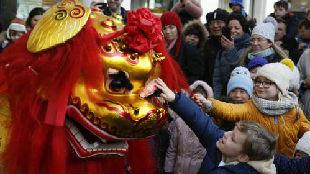 锐参考| 从首相府到幼儿园,英国人过春节热情居然这么高——