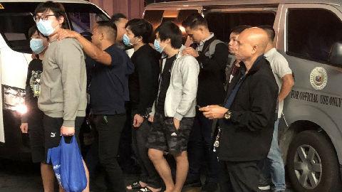 """菲律宾再将台诈骗嫌犯遣送大陆 称是""""制裁犯罪最有效的作法"""""""
