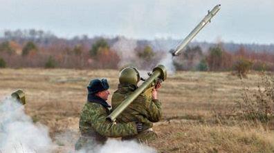 酒后摆弄防空导弹!乌克兰炮兵误炸自家弹药库
