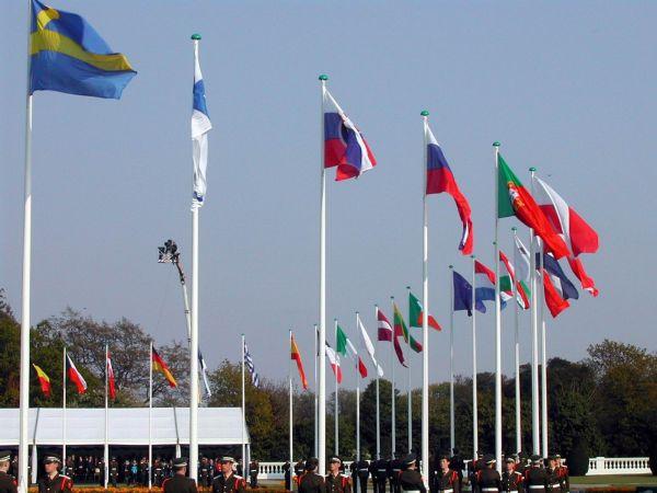 欧盟高票通过外国投资审查议案 外媒:直指中国?