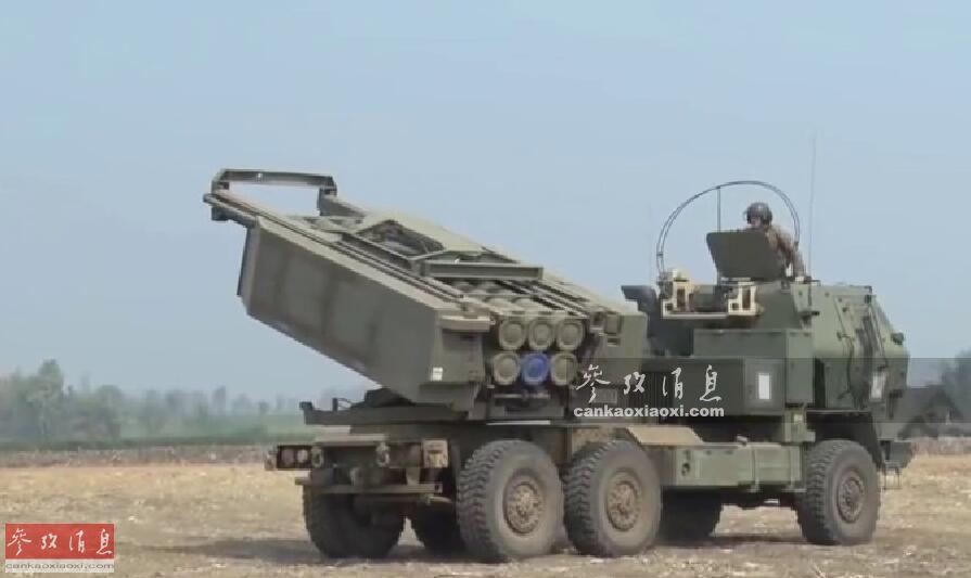 """2月14日,美、泰两国举行""""金色眼镜蛇""""19年度联合军演期间,美海军陆战队高调出动""""海马斯""""轮式远火在泰国境内进行实弹打靶,这是美军首次在美泰军演中,出动该型远火,本图集就此为您简析。图为美军""""海马斯""""远火在泰国境内实弹打靶视频截图。26"""
