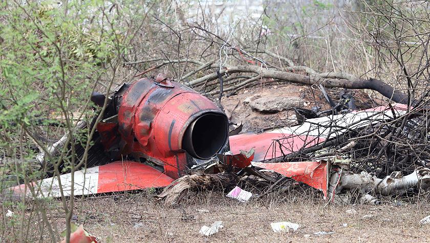 印度空军两架飞机在飞行表演彩排中相撞坠毁