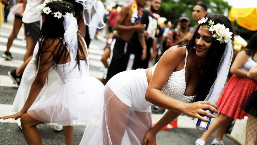巴西圣保罗街头狂欢