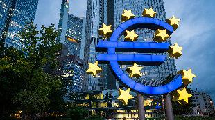 """锐参考丨强劲增长势头放缓,欧洲经济""""发动机""""为何减速——"""