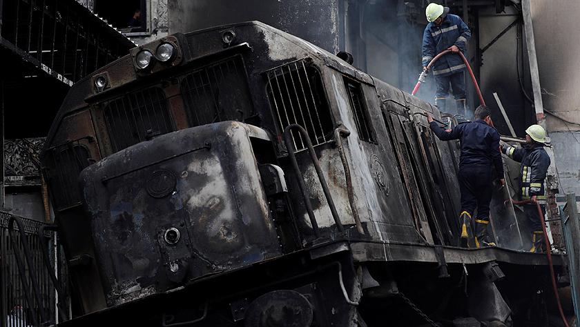 埃及一火车站发生火灾致重大人员伤亡