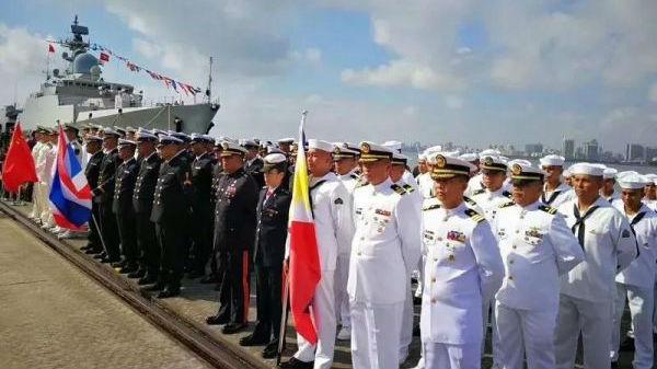 """海军官微""""剧透""""国际海军礼仪"""