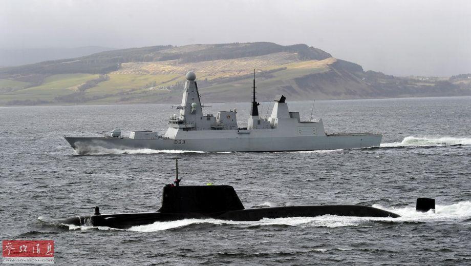 罕见同框!英驱逐舰为机敏级核潜艇护航