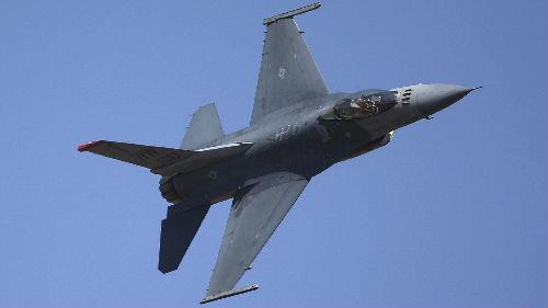 """台求购F-16V战机 传美方漫天要价引吐槽""""都够买F-35了"""""""