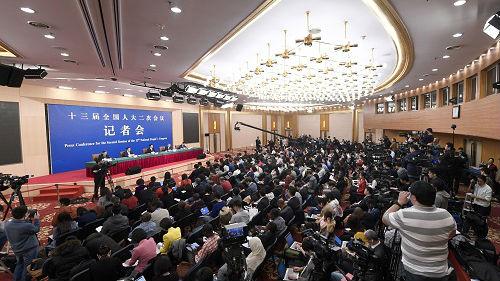 商务部记者会直面热点话题:中美经贸团队正在全力磋商