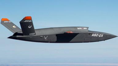 """F-35""""分身?#20445; ?#22899;武神""""无人战机首飞"""