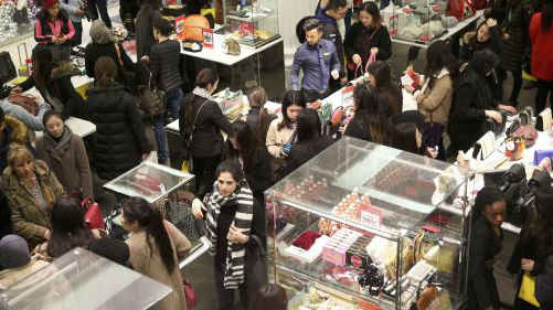 伦敦单笔消费超3万 专?#39029;?#20013;国游客成全球争夺焦点