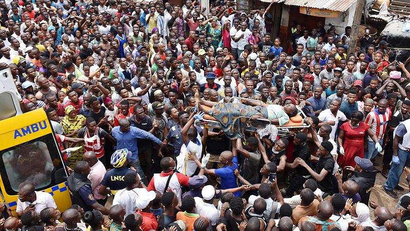 尼日利亚拉各斯一建筑坍塌 100多人被埋