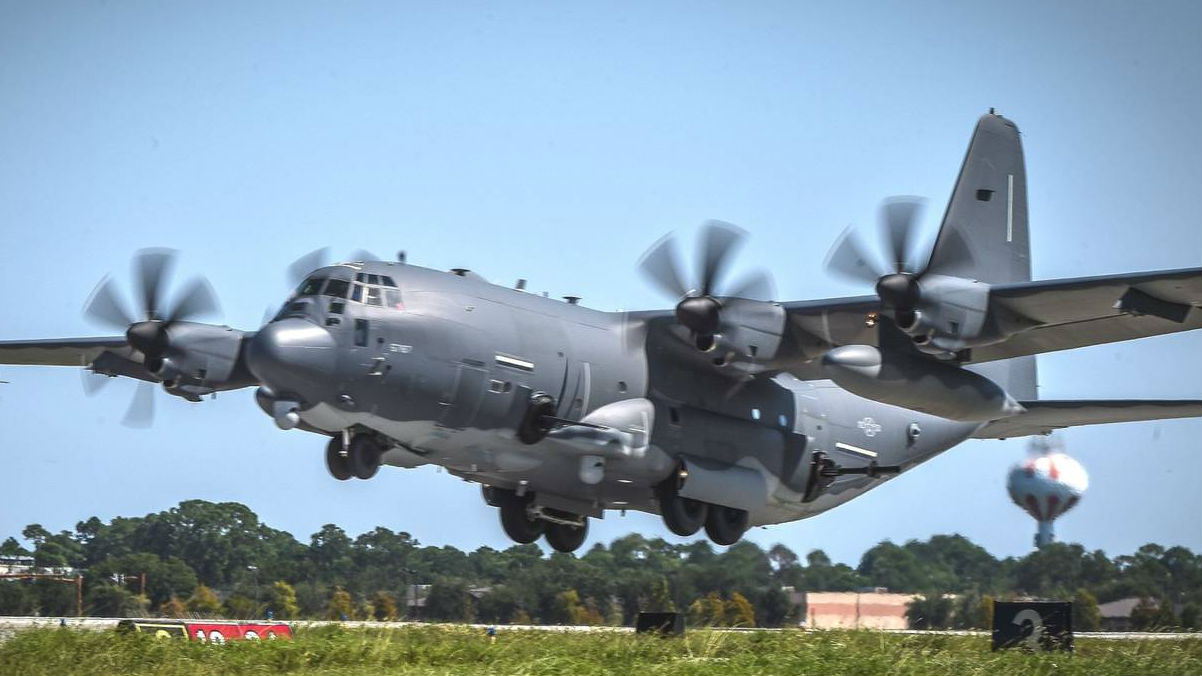 号称最强特战航空器!美空军接收新型AC-130J空中炮艇机
