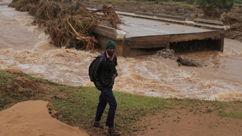 """强热带气旋""""伊代""""在津巴布韦东部造成70人死亡"""