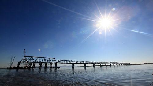 中俄首座跨江铁路大桥开通在即 俄媒:中国投资受欢迎