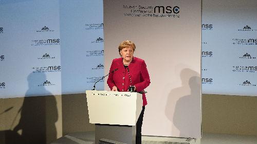 """美媒:德军费预算未达美方要求 默克尔""""再度挑战""""特朗普"""