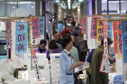 """工资水平不升反降 日本陷入""""贫穷循环""""?"""