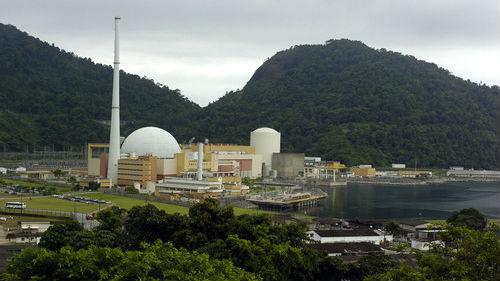 无法无天!外媒:巴西运送核燃料车队遭黑帮分子伏击