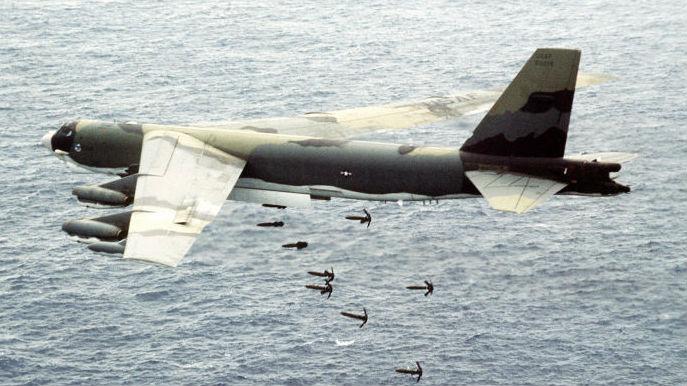 军情锐评:威胁超过反舰导弹?美军B-52可远程布雷封锁俄军港