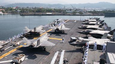 威慑中国?美两栖舰满载F-35B在菲军演