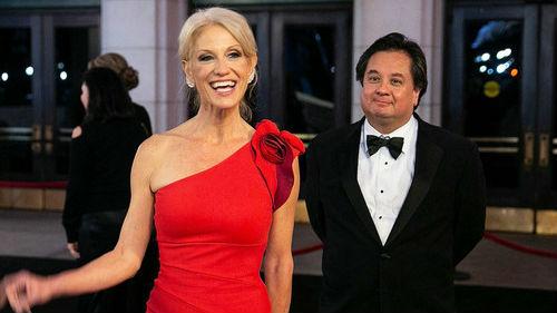 """到底谁是""""电灯泡""""?美媒探究一场被特朗普""""破坏""""的权力婚姻"""