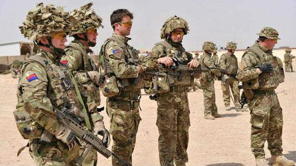 英军接连曝出震惊丑闻:性侵女兵,枪击工党领导人头像