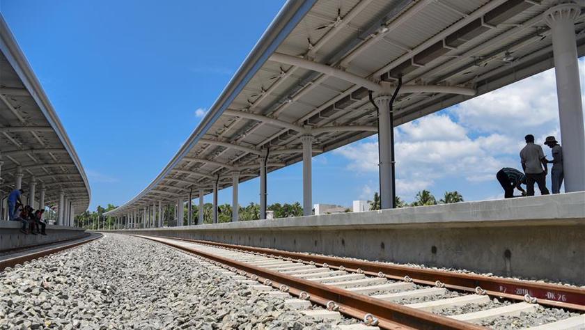 """通讯?#39608;?#19968;带一路""""合作为斯里兰卡铁路史开启新篇章"""