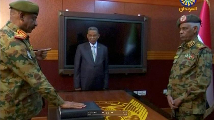 苏丹国防部长宣誓就任过渡军事委员会主席
