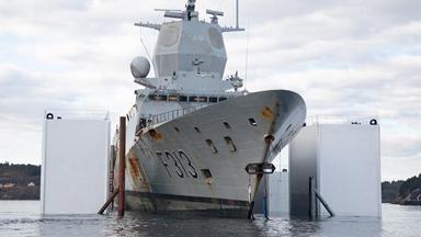 沉沒4個月出水!挪威戰艦舷側現大破口