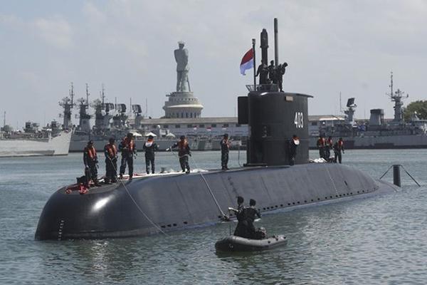 """外媒:韩国第二艘中型潜艇""""安武""""号下水 以抗日英雄命名(图4)"""
