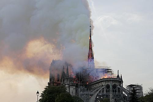 巴黎圣母院2