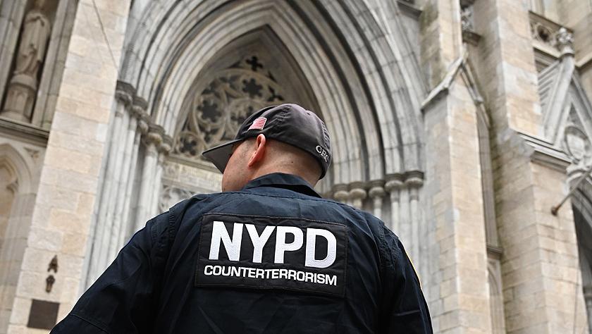 纽约圣帕特里克大教堂加强警戒