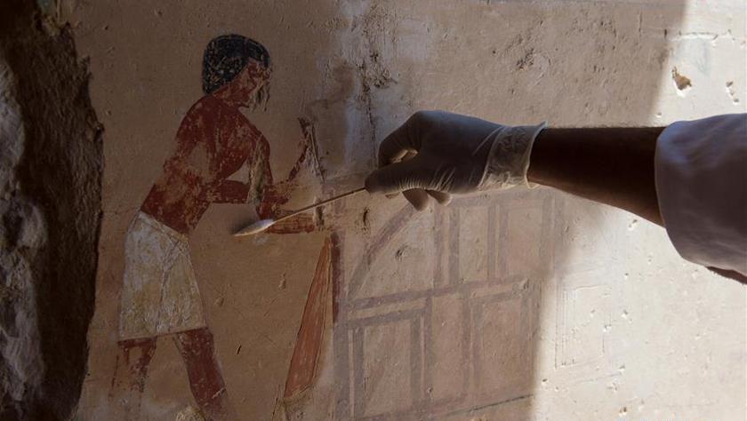 埃及卢克索发现距今3500年王室成员墓葬