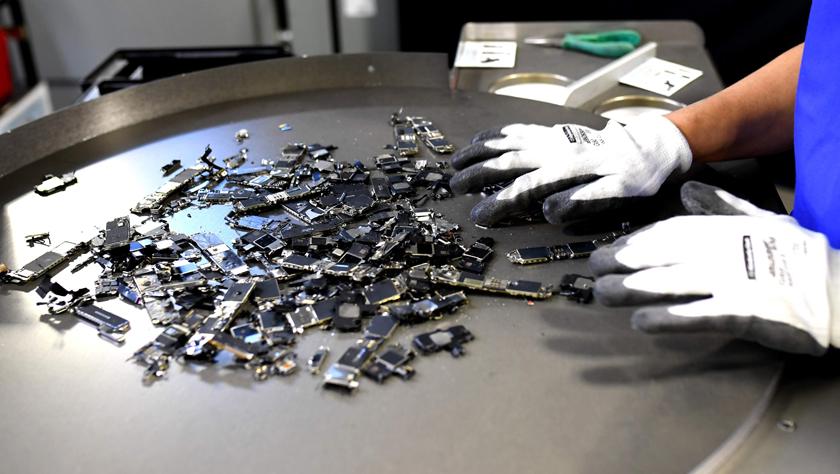 苹果公司加强对手机等设备回收利用