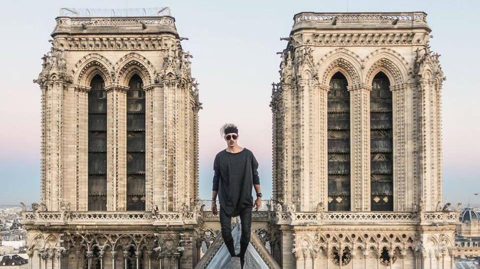 """法国""""蜘蛛侠""""非法攀爬巴黎圣母院 意外留下珍贵影像"""