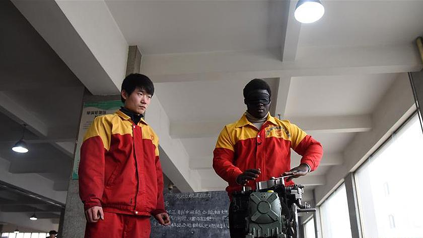 """非洲小伙的中国职?#21040;?#32946;""""奇遇""""记"""