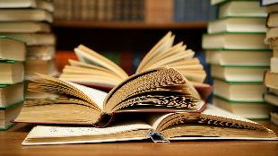 锐参考   美国人一年读多少书?最受欢迎的书籍是——
