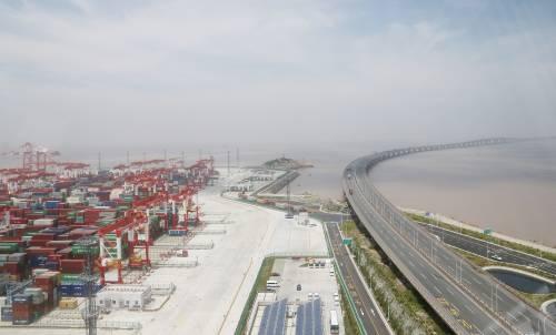 搭乘这一便车 逾六成中国企业拟增加对外投资