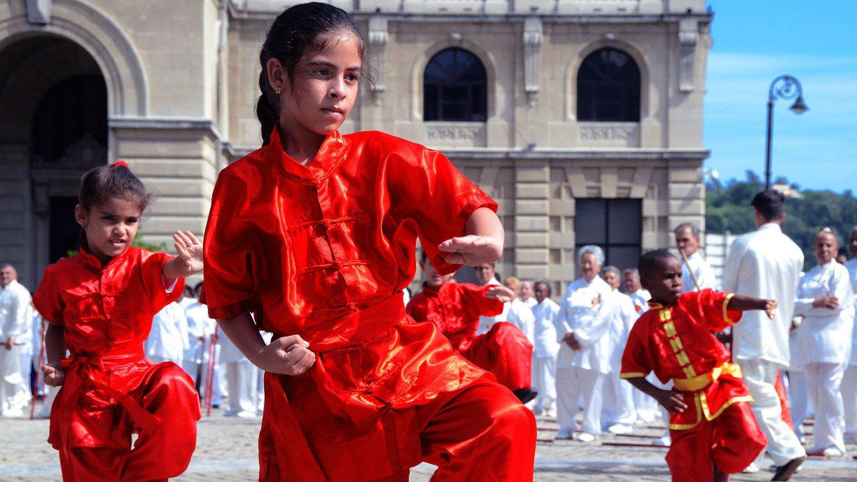 中国武术在古巴落地生根 外媒:能让人心态平和 更加自信