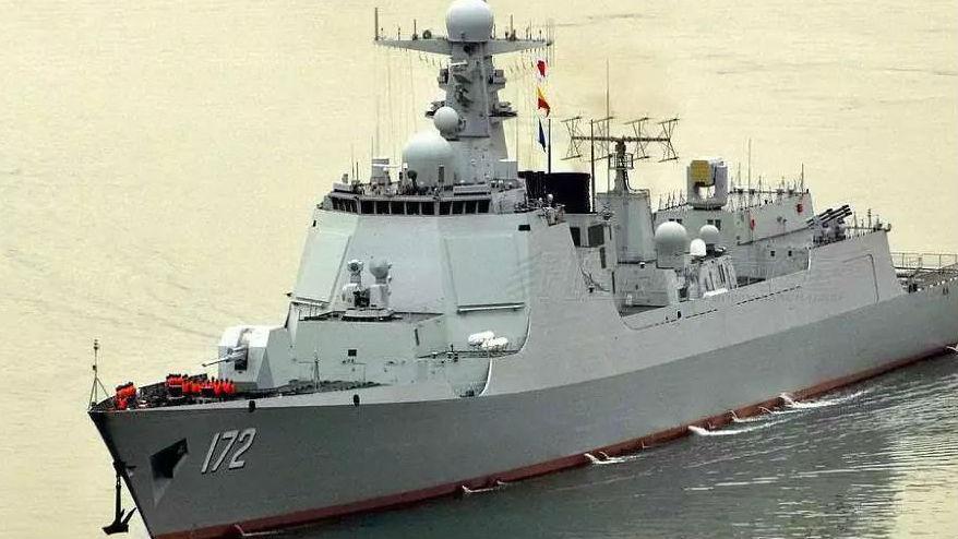 军情锐评:深蓝航迹:解码青岛海上阅兵中国舰艇阵容